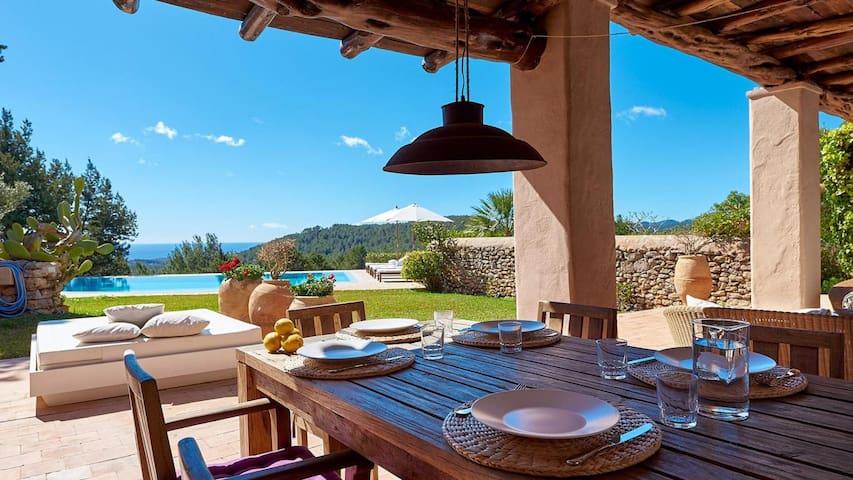Catalunya Casas: Luxurious Villa Amande on Ibiza stunning hills!