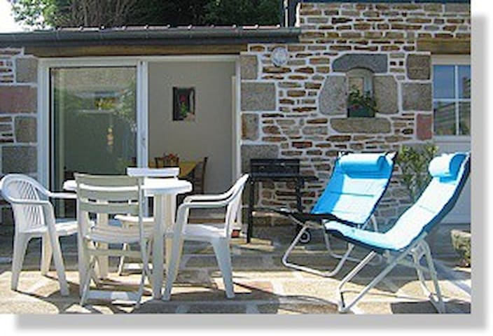 Kôté Jardin Studio à 50 m de la plage