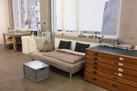 spacious artist's live-in studio loft - Berlino - Loft