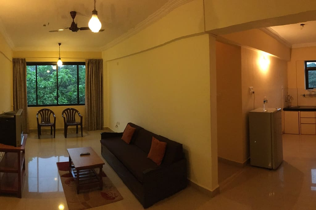 Pano pic of Inside room
