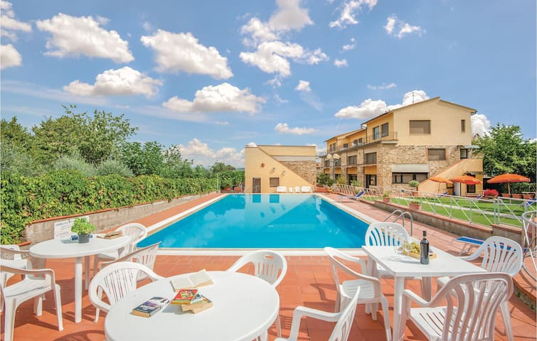 Holiday apartment with 2 bedrooms on 45m² in San Donato in P. FI