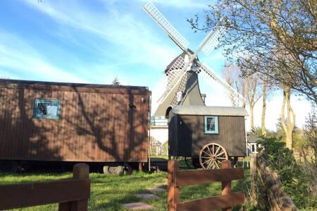 Traumwagen an der Mühle