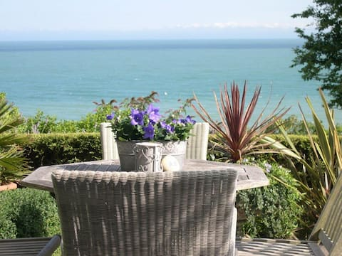 Stunning sea views overlooking St Margaret's Bay