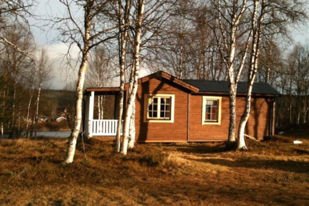 The cabin, riverside 100m from the Kungleden Trail
