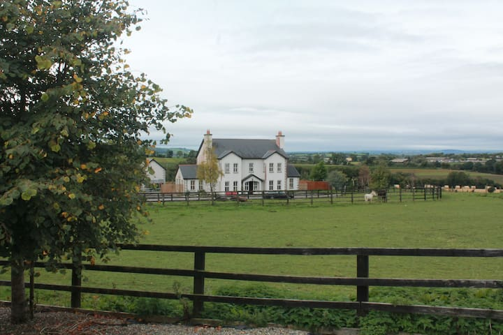Samaya House B&B, Clonegal, Bunclody, Co. Wexford. - Bunclody - Penzion (B&B)