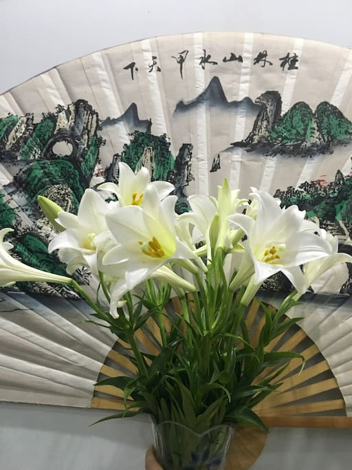 In the April, LilY flowers in Viet Nam are everywhere, it mean missing season. Welcome