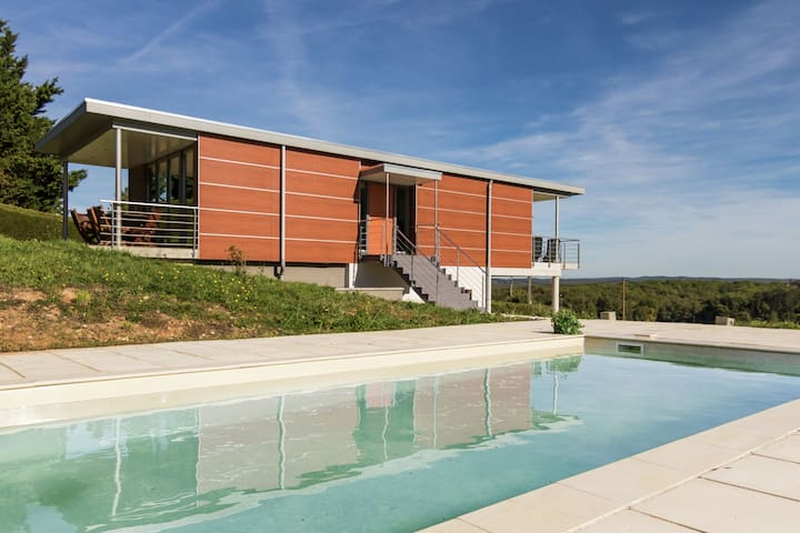 Luxurious Villa in Limeyrat France with private pool