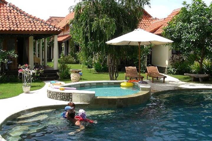 TheVineyardBali, 6 bed beachfront villa North Bali
