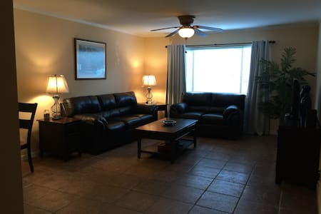 Simple Clean Condo Access to NYC & Nature Trails