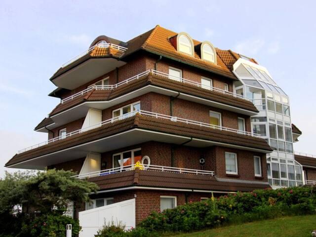 Gemütliche, zentrale Wohnung +Terrasse- strandnah