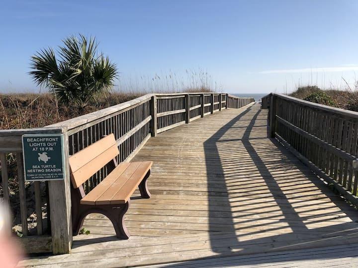 Beach&Tennis, Stylish, Modern, Folly Field Beach!