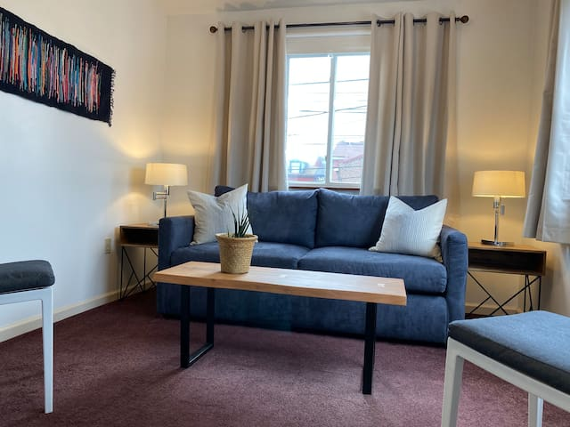 ★ 2nd Floor Flat Lawrenceville ★
