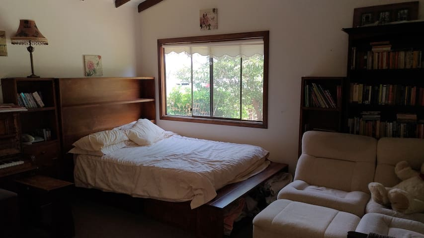 Studio apartment in Waikerie.