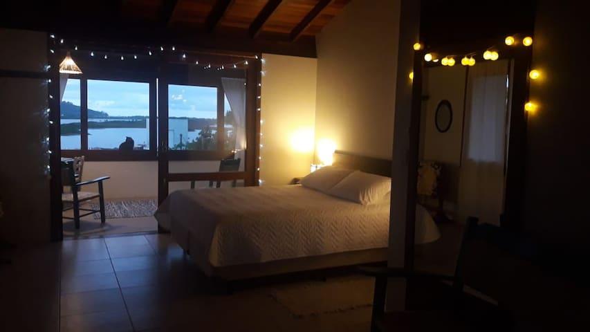Suite com fantastica vista para Lagoa