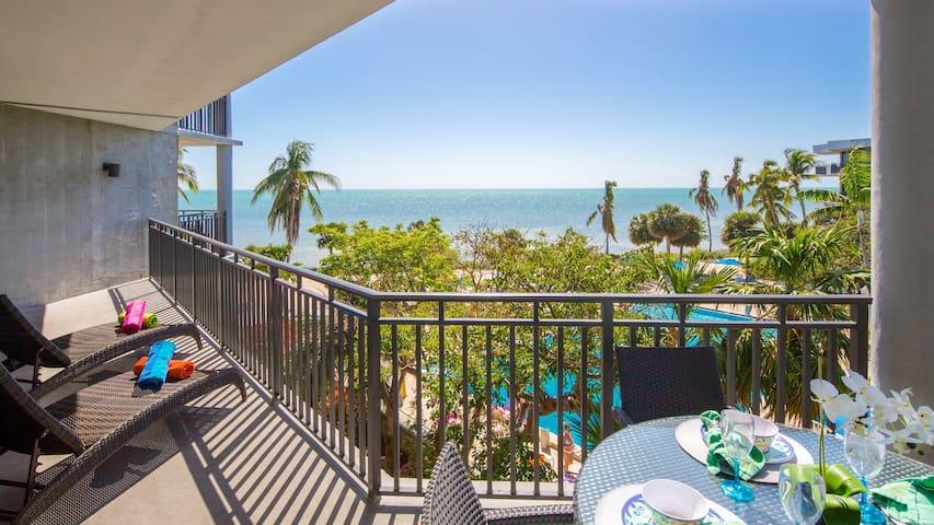 **SMOOTH SAILING @ THE BEACH** Ocean Condo / Pool & Tennis + LAST KEY SERVICES...