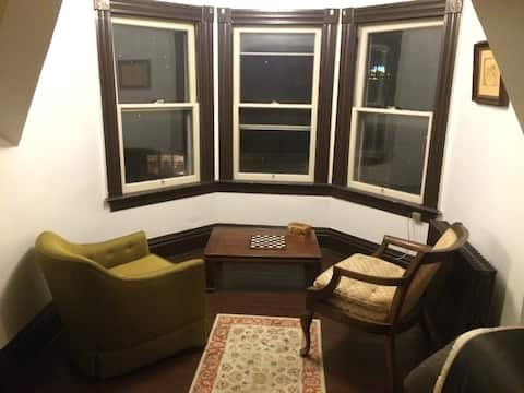 Private Apt in Charming 115yr Home