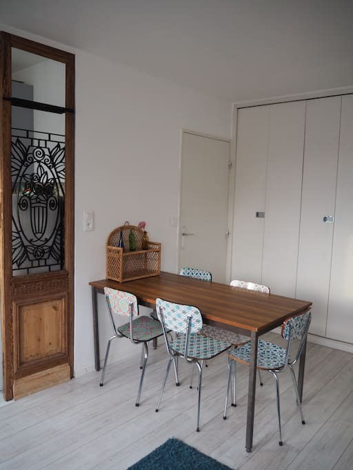 La salle à manger - The dining table