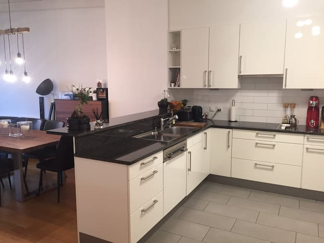 lovely 2 floors apartment in Geneva - Lancy - Departamento
