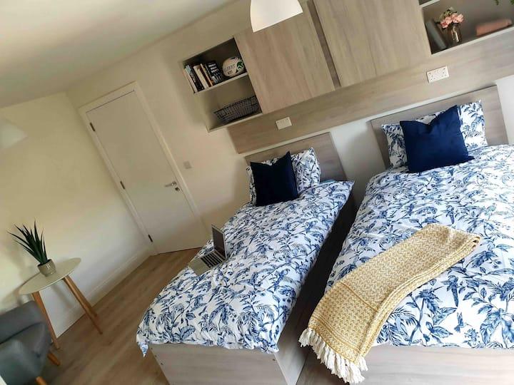 Apartment 3 Room 4 Shanowen Square (Twin Room)