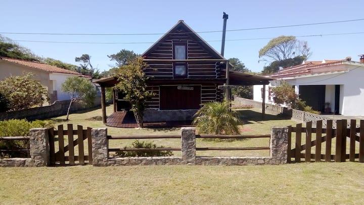 Casa entera-Cabaña de Tronco y Piedra,La Aguada