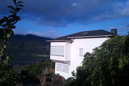 Bright attic in country house, 700m from the bay