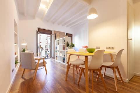 Apartament încântător la Pl Forum, Centrul Istoric