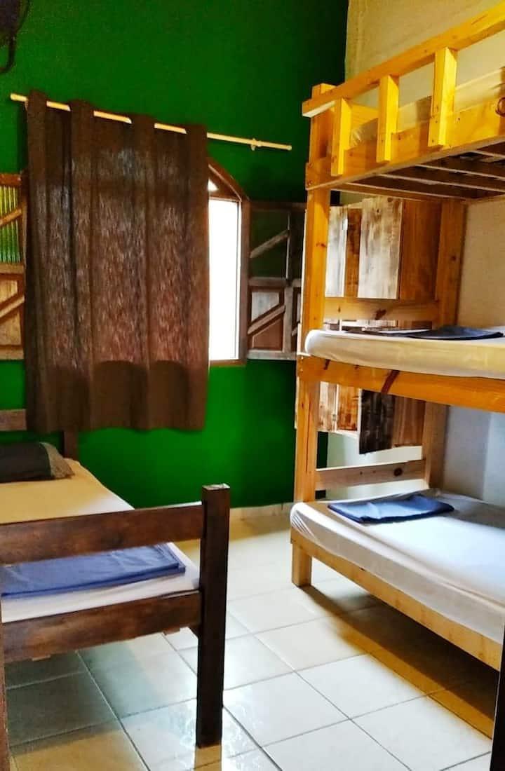Praia do Forte, quartos compartidos,na vila