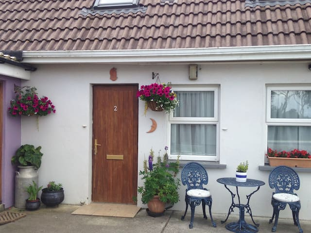 The Crow's Nest 2 - Cosy 2 BR Flat - Grange - Daire
