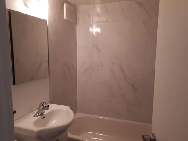 5 1/2  app with 3 closed rooms in montreal