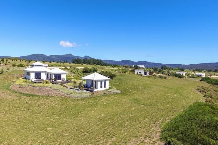 Luxury Spa Villa and Spa Hut