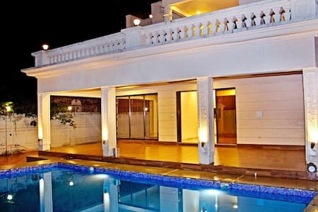 Mahal by Unexplora , Villa with pool near panvel