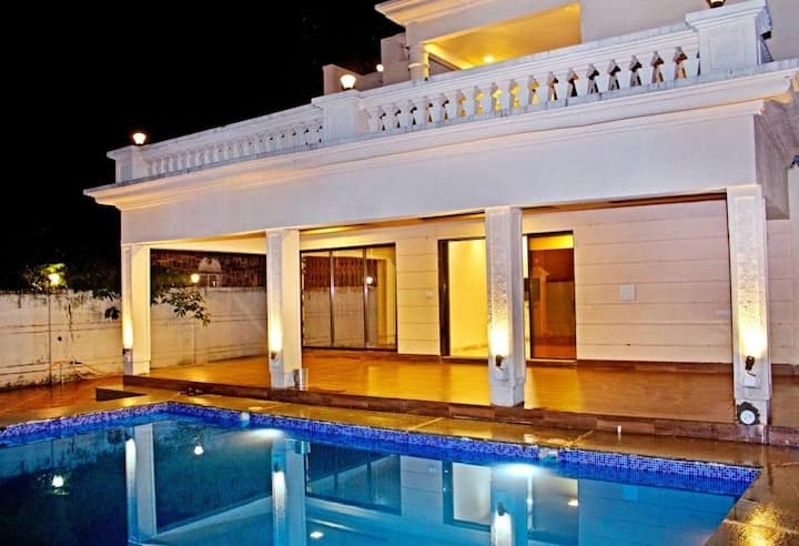 Mahal by Unexplora , Villa with pool near panvel