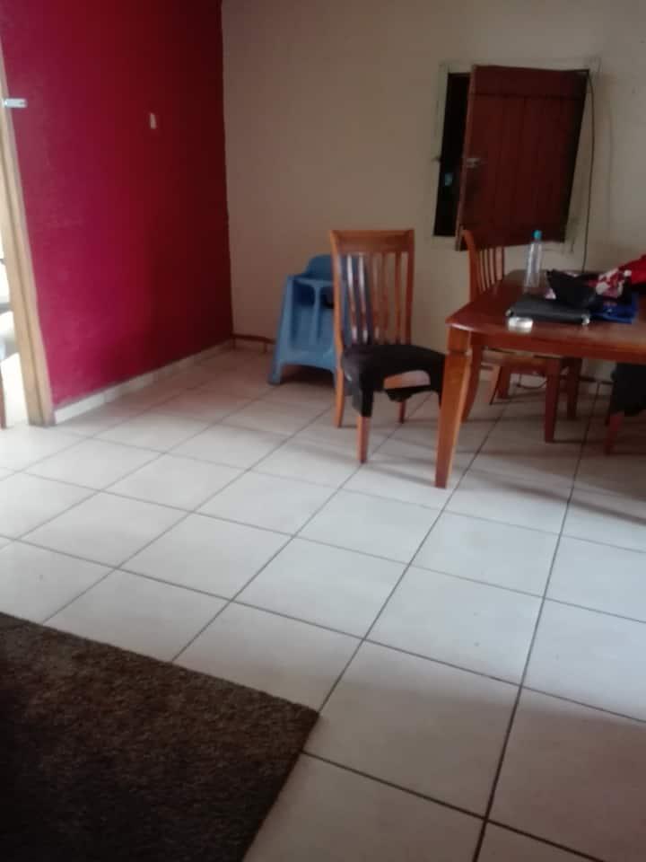 Habitación en casa familiar
