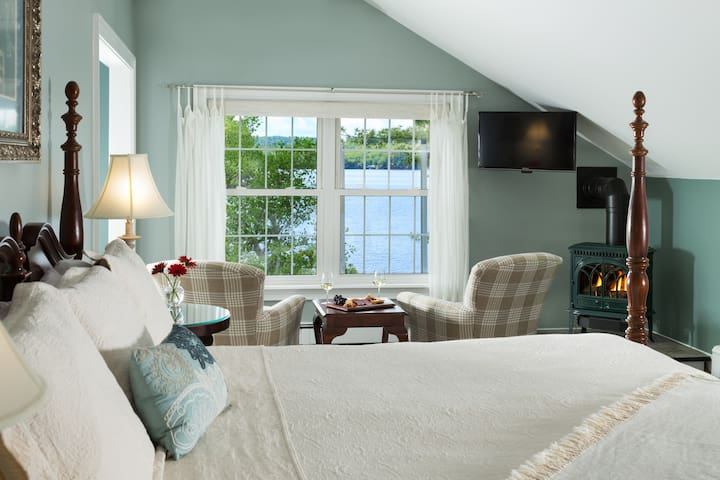 Wolf Cove Inn : Sugarloaf Mountain Suite