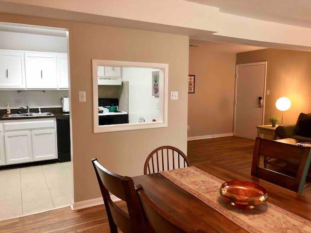 Cozy apartment in Meridian Hills area