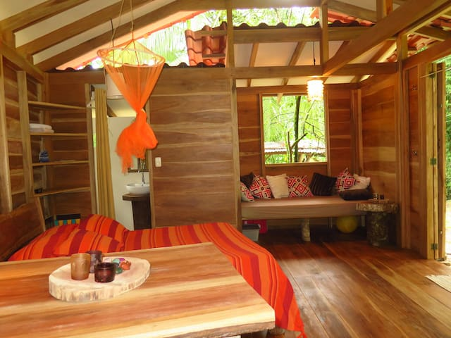 Bella Caribe, lovely wood design studio apartment