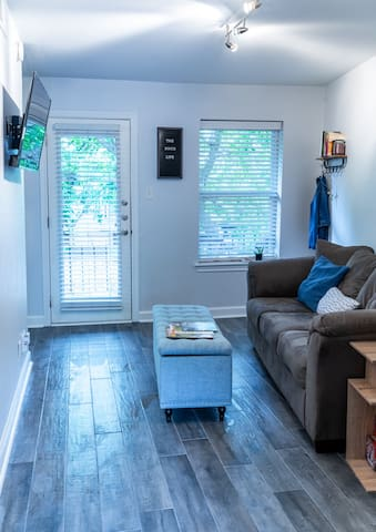 Private End Unit in the Heart of South Congress!