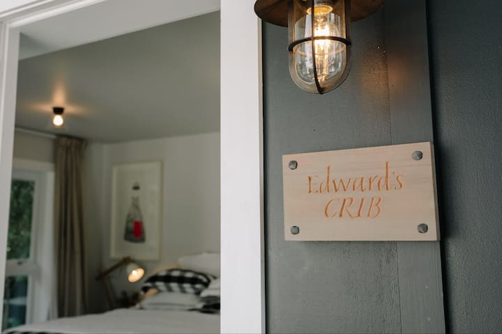 Edward's Crib Boutique Studio Accommodation