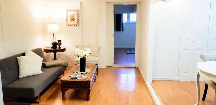 10 Min. drive Beach and Downtown Basement Suite*