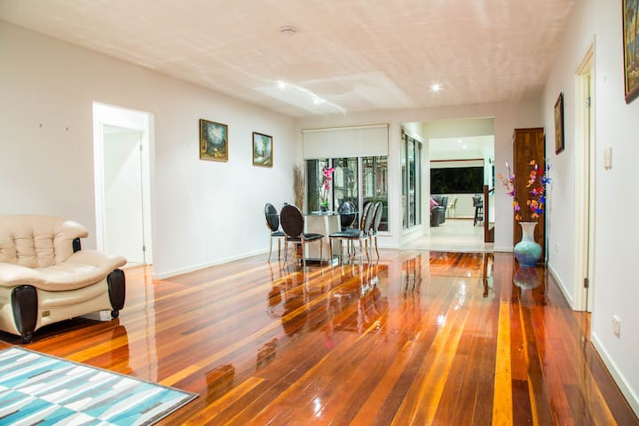 Luxury House in the heart of Surfers Paradise - Surfers Paradise - Hus