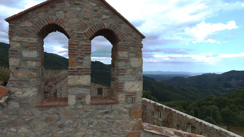 MONASTERIO DEL S.XVII TOTALMENTE REFORMADO - Santa Coloma de Farners - Замок