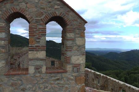 MONASTERIO DEL S.XVII TOTALMENTE REFORMADO - Santa Coloma de Farners - 城堡