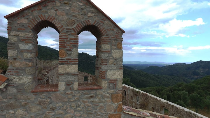 Monasterio del SXVII totalmente reformado.