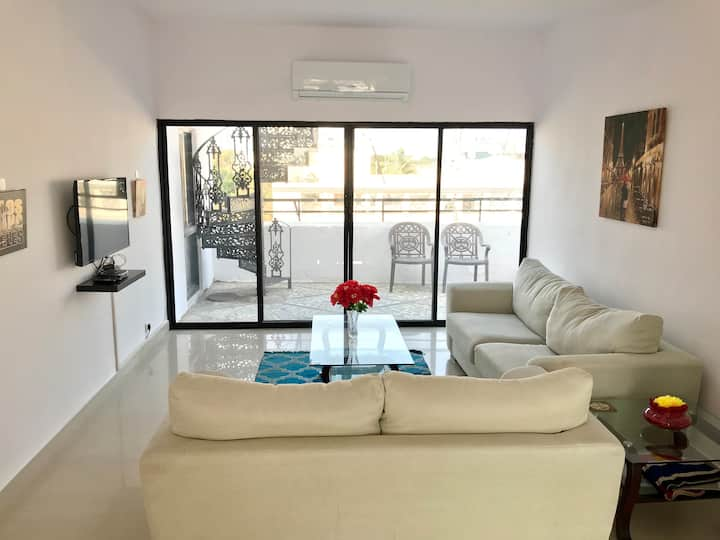 CENTRALLY LOCATED LUXURIOUS 3 BEDROOM PENTHOUSE!