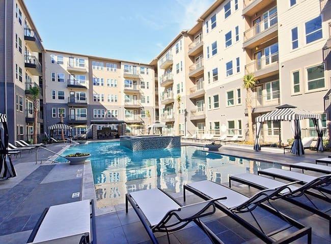 Enclosed pool deck