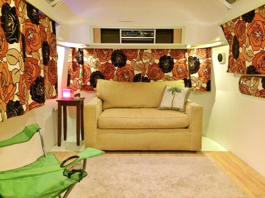 Lounge area and hide-a-bed..