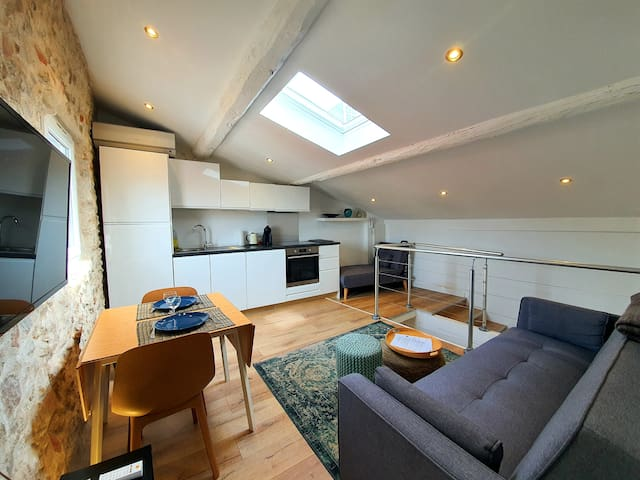 BRAND NEW ONE-BEDROOM IN OLD TOWN