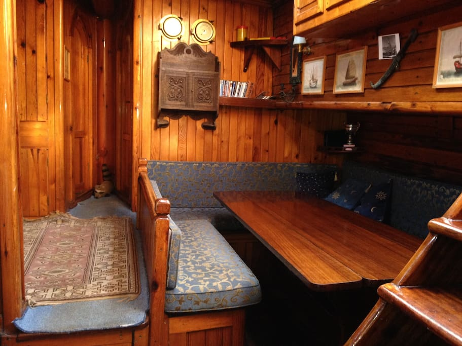The Saloon looking to starboard