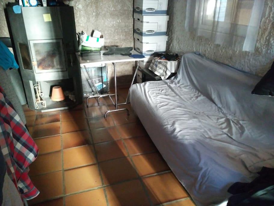 Espace principale avec le canapé lit