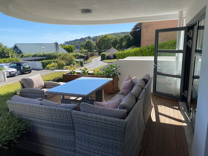 Luxury Beach Apartment St Brelades Bay